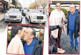 Ali Ağaoğlu eski sevgilisine döndü