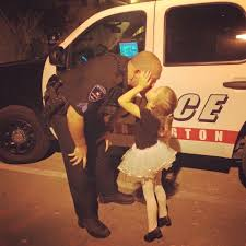 viral hashtag whyiwearthebadge shows what inspires police facebook arlington police department