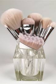 Why Everyone's Losing Their Minds Over These Makeup Brushes ...