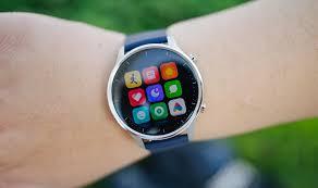 Xiaomi Mi Watch Color: AMOLED Screen