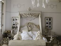 Shabby Chic Bedroom Wall Colors : Bedroom stylish floral wallpaper for small ideas