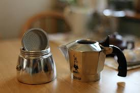 <b>Гейзерная кофеварка</b>: плюсы и минусы | 101Кофемашина.Ру