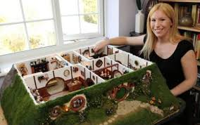 Hobbit Houses  Grassy Hill Shaped Dwellings   WebEcoistBag End Hobbit Dollhouse