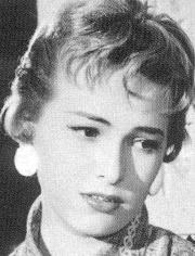La primera es Luz Maria Aguilar: Doña Catalina Y la segunda es Claudia Islas: Doña Sofia. Estas dos actrices fueron iconos del cine nacional de México - luzmariaaguilar1