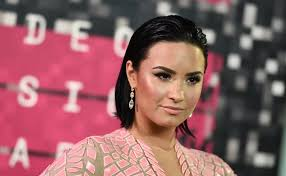 <b>Demi Lovato</b> aims to say a lot about body-image issues with nude ...