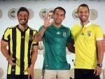 Fenerbahçe'nin yeni transferleri imzaladı