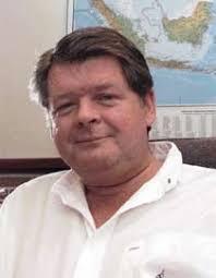 David Walsh. Project Manager yang ditunjuk adalah Michael de Guzman seorang ahli geologis dari Filipina dan juga teman Felderhof. Contoh tanah yang dikirim ... - david-walsh-cp-3370478