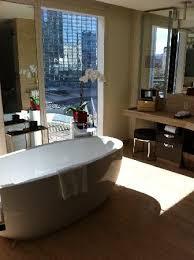 bathroom suite mandarin: mandarin oriental las vegas city scape suite tub view