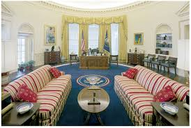 bill clintons oval office in 1996 had candy stripe sofas on a federal blue rug bill clinton oval office rug