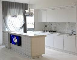 Soffitto In Legno Grigio : Cucine su misura in legno con boiserie e contro soffitti bagni
