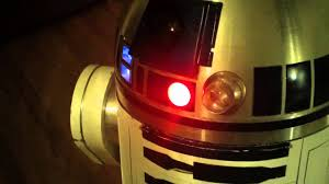 R2-D2 has random holographic projector (HP) movement - YouTube