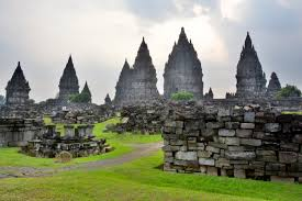 how to spend three days in yogyakarta if your interest in local history around yogyakarta also includes that of the geological sort pay a to nearby mount merapi an active volcano that