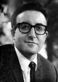 "Richard Henry ""Peter"" Sellers, was born on 8th September, 1925. He was brought up by his parents, who were both vaudeville entertainers. - peter_sellers2"