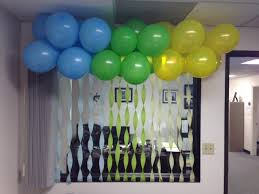 can you believe two guys executed the idea from pinterest into dariuss office kuddos to them they did an awesome job and probably executed better than birthday office decorations