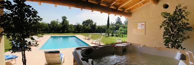 bed and breakfast isle sur la sorgue le mas des hirondelles bed breakfast le mas de
