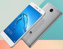<b>Смартфон Huawei Y7</b> (2018) показал лицо