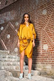 Платье-<b>рубашка с декором</b> из бисера от дизайнера Алены ...