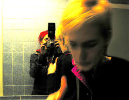 """( Gilles Deleuze/Felix Guattari: """"Rhizom""""). 2012 """"women only – a female graffiti documentation"""": eyes on / monat der fotografie wien - rosa-rosa_kl"""