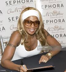 <b>Mary</b> J Blige Signs Autographs For <b>Carols Daughter</b> Products ...