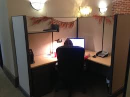 decorated office cubicles cubiclecom39s tips on how to decorate your cubicle for halloween awesome decorated office cubicles qj21