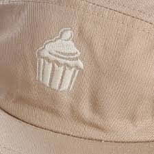 Купить <b>бейсболку TRUESPIN Cup Cake</b> 5 Panel Cap Cream в ...