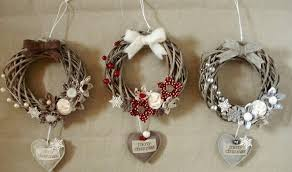 Wreaths of <b>lights</b>, <b>branches</b>, paper, flowers for Christmas (с ...