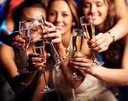 Грудь мадам де Помпадур. Легенда о бокалах для <b>шампанского</b> ...