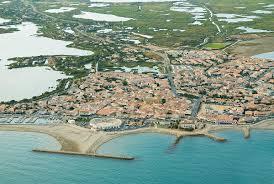 Saintes-Maries-de-<b>la</b>-<b>Mer</b> - Wikipedia