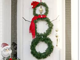 cheap christmas decor: redo your wreath  diy christmas snowman wreath sl