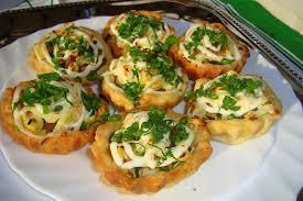 Картинки по запросу Рецепт приготовления картофельных тарталеток под соусом