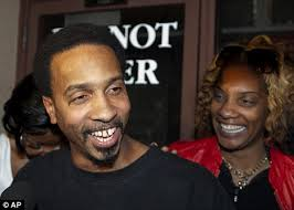 Together: After 17 years behind bars, Obie Anthony and his fiance Denise Merchant have every right to look happy - article-2045438-0E3BCAA300000578-556_468x334