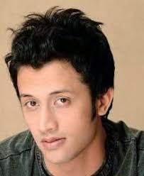 What is the height of Atif Aslam?