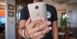 "(Update: OP3 will stick with <b>AMOLED</b>) <b>OnePlus</b>: ""we are still making ..."