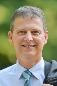 Damit besitzt unser Kandidat <b>Robert Strobel</b> <b>...</b> - kandidat