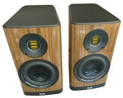 <b>Полочная акустика Elac Vela</b> BS 403 Walnut High Gloss