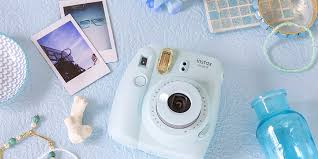 The Best Instant Film Cameras of <b>2018</b>
