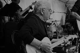 Умер гитарист Ареты <b>Франклин</b> и соратник Rolling Stones ...