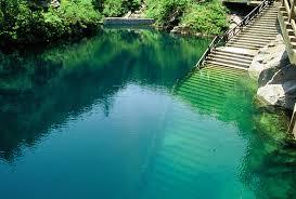 اجمل البحيرات في العالم images?q=tbn:ANd9GcQ