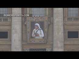 The image of Mother Teresa of Calcutta overlooks St. Peter's Square ...