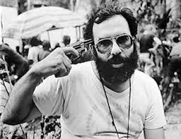 Francis Ford Coppola hipotecó todo lo que tenía y se llevó a toda su familia con él a Filipinas para rodar Apocalypse Now. Es el rodaje más largo, ... - Francis-Ford-Coppola