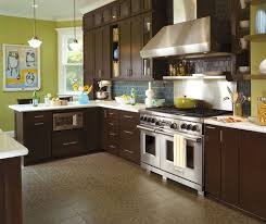 in style kitchen cabinets: shaker style cabinets in a contemporary kitchen