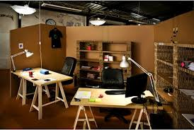 tara mann alerted us to mashables slide show of unusual offices we especially like this impromtu cardboard office designed by paul coudamy who cleverly cardboard office