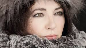 Why did <b>Kate Bush never</b> tour after 1979? - BBC News