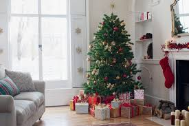 cheap christmas decor: christmas tree in a living room