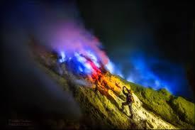 Голубой <b>огонь</b> (<b>Blue Fire</b>) - уникальный феномен вулкана Иджен ...