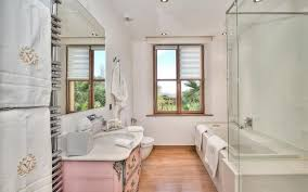 modernized bathroom tile designs