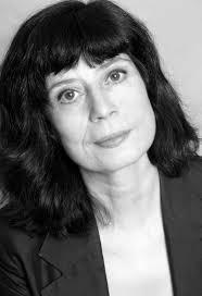 """Yolanda García Serrano. Escritora de cine, televisión y teatro. En cine ha participado en los guiones de """"Por qué lo ... - Yolanda-Garcia-Serrano"""