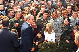 u s department of defense photo essay president george w bush meets u s servicemembers on eielson air force base alaska