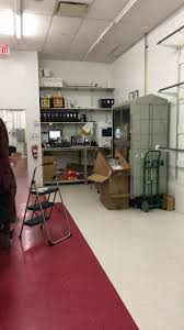 hollister co full time stock salaries glassdoor hollister co photo of stock room office area