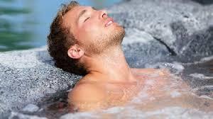 Resultado de imagen de Los beneficios de meditar en el agua